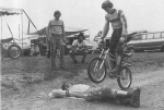 7082722_n.jpg_Bob_Hannah_on_a_Yamaha_BMX_jumping_over_Rick_Burgett__bike